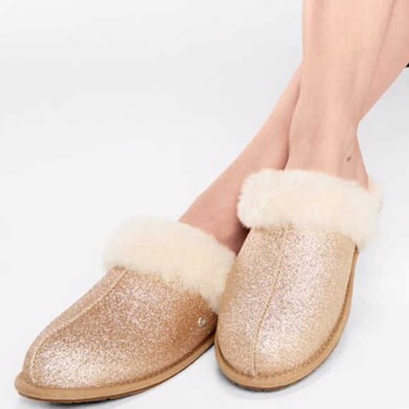 UGG Shoes - ✨New✨ UGG Scuffette Gold Sparkle